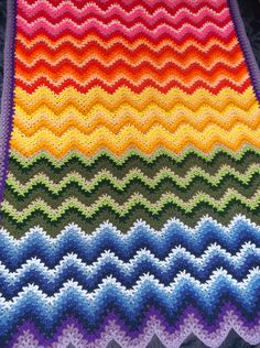 Rainbow express V-stitch ripple afghan (pattern) on Alottastitches blog