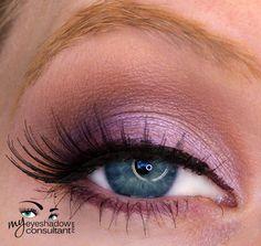 MAC eyeshadows used: Digit (inner half of lid), Fig. 1 (outer half of lid), Soft Brown (crease), Blanc Type (blend) Mac Makeup, Love Makeup, Makeup Eyeshadow, Makeup Tips, Beauty Makeup, Eyeshadows, Makeup Ideas, Mac Eyeshadow Tutorials, Mac Eyeshadow Looks