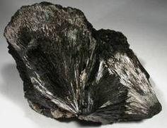La turmalina negra: defensa energética :: propiedades de la turmalina negra, gemoterapia