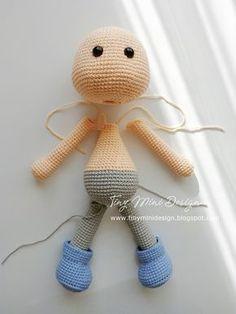 Amigurumi Tini Mini Girl Bau-Kostenlose Muster Tini Mini Dolls - Tiny Mini D . Mini Amigurumi, Amigurumi Free, Amigurumi Patterns, Amigurumi Doll, Crochet Patterns, Crochet Bear, Cute Crochet, Crochet Dolls, Diy Finger Knitting