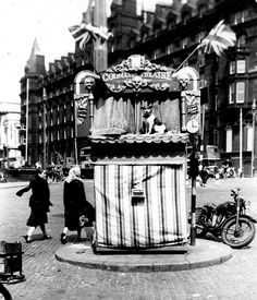 Codman's Punch and Judy / Lime St Liverpool