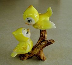 Vintage NORCREST Anthropomorphic YELLOW Love  BIRDS On Branch FIGURINE Lefton