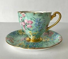 Wonderful vintage Shelley bone china tea cup and saucer, made in England. A pretty chintz duo in the Melody pattern. Antique Tea Cups, Vintage Teacups, Bone China Tea Cups, Teapots And Cups, My Cup Of Tea, Tea Cup Saucer, Tea Time, Tea Party, Romantic Cottage