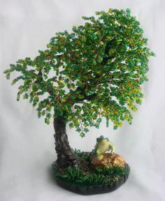Квакушка на опушке (дерево из бисера)