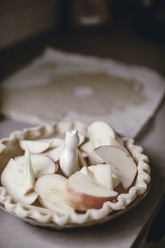 how to use a pie bird / made from scratch series / heirloomed Rustic Food Photography, Homemade Pie Crusts, Homemade Pies, Pie Bird, Pie Shop, Southern Recipes, Fall Recipes, Christmas Recipes, Safe Food