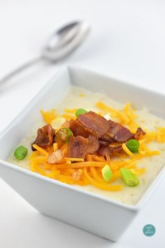 Loaded baked potato soup makes a warm, comforting potato soup recipe. Made with baked potatoes blended into a creamy soup and topped with your potato bar favorites!