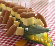 Rezept: Krokodil aus Gurke, Käse und Würstchen