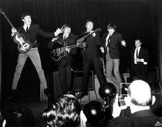 "...Брайан Эпштейн на представлении ""The Royal Command Performance"" в ""Prince of Wales Theatre"" (г.Лондон, 4 ноября 1963 года)"