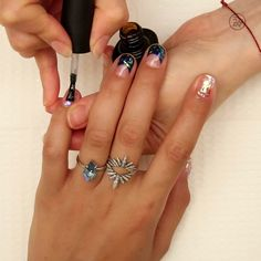 This shiny nail art is everything video shiny nails, nail de Nail Art Designs, Acrylic Nail Designs, Acrylic Nails, Nails Design, Pedicure Designs, Trendy Nails, Cute Nails, Hair And Nails, My Nails