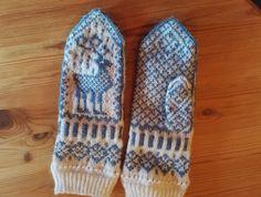 Mittens, Gloves, Winter, Fashion, Fingerless Mitts, Winter Time, Moda, La Mode, Fingerless Mittens