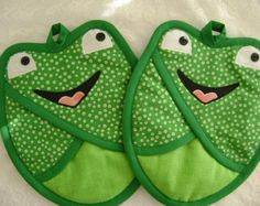 Green Dot Frog Potholders, Pocket Potholders, Pot Holders, Frog Oven Mitts,Frog Hot Pads,Frog Lover