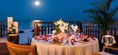 Una mesa magica a la luz de la luna