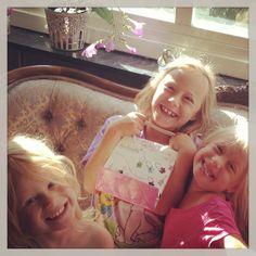 Älskade småsystrar.