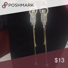 Wire danglers Zirconia upper strings with two strands falling down at different length giving you a chic look. Wire for the ear hook Jewelry Earrings