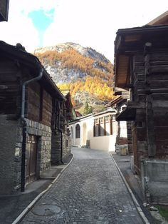 The old @Zermatt in #autumn so lovely, a must for all travellers