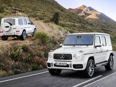 After Mercedes-Benz unveiled the new design for the G-Class, it was only a matter of time until they showed off the redesigned 2019 Mercedes-AMG Mercedes Benz Clase G, Mercedes Benz Modelos, New Mercedes Amg, Mercedes Benz G Class, Mercedes Maybach, Mercedes G Wagon White, White G Wagon, Audi, Bmw