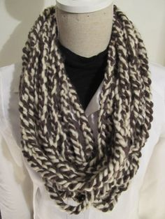 Simple Knot Scarf Crochet Brown Cream by MinnieCreation on Etsy, €10.74
