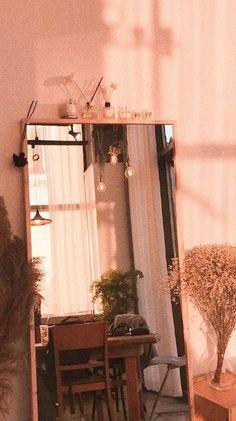 New Vintage Wallpaper Ideas Art Deco Ideas Peach Aesthetic, Aesthetic Rooms, Aesthetic Vintage, Vintage Modern, Pastel Wallpaper, Room Wallpaper, Orange Wallpaper, Wallpaper Ideas, Wallpaper Plants