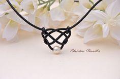 Pearl und Leder keltische Knoten Herz  Perlen von ChristineChandler