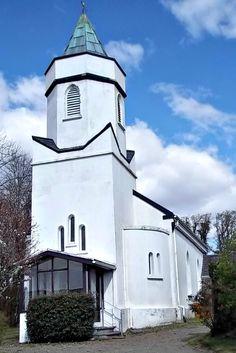 cool church in Sneem Irealand