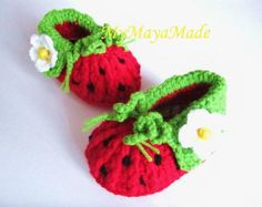 Red Strawberry Crochet Baby Booties - 4 Sizes - - Please Specify Size Upon Purchase Crochet Baby Shoes, Crochet Baby Clothes, Crochet Slippers, Love Crochet, Crochet For Kids, Baby Knitting Patterns, Crochet Crafts, Crochet Projects, Crochet Ideas