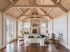 architect: Abby Cambell King - coastal home, seaside home, coastal . Coastal Living Rooms, Coastal Cottage, Coastal Homes, Fireplace Remodel, Fireplace Mantle, Wood Mantle, Sister Home, Home Decor Near Me, Ceiling Trim