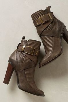 Rachel Zoe Mona Boots - love these walkable heels! Bootie Boots, Shoe Boots, Ankle Boots, Crazy Shoes, Me Too Shoes, Hipster Shoes, Pumps, Rachel Zoe, Beautiful Shoes