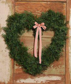 Kommenteissa on ollut mielipiteitä… Christmas Flowers, All Things Christmas, Christmas Wreaths, Christmas Decorations, Xmas, Holiday Decor, Diy Wreath, Door Wreaths, Grapevine Wreath