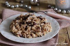 Il risotto al radicchio è un primo piatto squisito. Il suo gusto leggermente amarognolo si accompagna benissimo alla cremosità del formaggio.