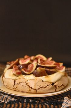 Recipes and cooking blog : Trotski & Ash » Recipe » brown sugar pavlova with dark rum syrup and fresh figs