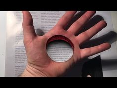 trick art hole in the hand dirty mind trick surprise drawing. Watch this illusion horror make-up. I hope you like it this bloody hand art! Drawings On Lined Paper, 3d Hand Drawings, 3d Art Drawing, Paper Drawing, Paper Art, Drawing Step, Art Drawings Beautiful, Cool Art Drawings, Pencil Art Drawings