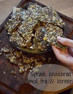 Sprøde knækbrød med frø & kerner, a food drink post from the blog Smag på maden, written by Camilla Luise Thelin on Bloglovin' Tapas, Bread Recipes, Cake Recipes, Food Experiments, Danish Food, Fabulous Foods, Food Cakes, Bread Baking, Sweet Treats