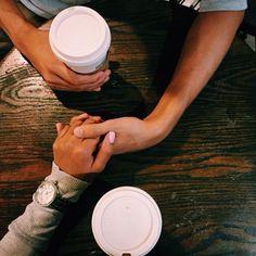 Compartir un café... y mucho más. #amar #amor #love http://www.mundoligue.com/