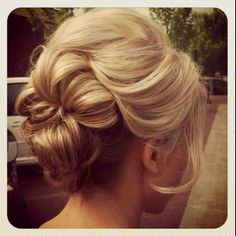 Romantic Loose Up Do. very | http://hairstylecollections.blogspot.com