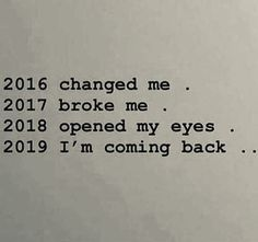 35 Happy New Year Quotes That Prove 2019 Is Going To Be Your Best Year Yet 35 Frohes Neues Jahr-Zitate, die beweisen, dass 2019 Ihr bisher bestes Jahr sein wird Now Quotes, Life Quotes Love, True Quotes, Quotes To Live By, Im Back Quotes, T Shirt Quotes, True Colors Quotes, Qoutes Deep, Scared Quotes