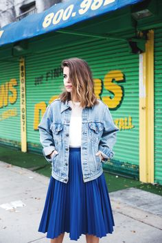 Pleated_Midi_Skirt-Vintage_Denim_Jacket-Electric_Blue-Leather-Outfit-Street_Style-Collage_Vintage-10