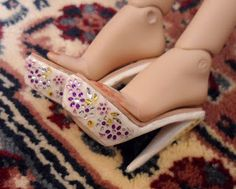 Fashion Doll Shoes Tutorial - love the sticker idea!