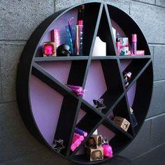 Mueble con forma de estrella /pentagrama / Decoración gótica