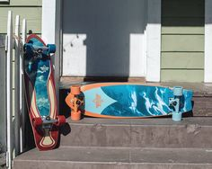 We got some new retro surf inspired boards out. The #DustersMarble on the left and the new #DustersKosher Retro to the right. Your commute to the beach will be much more fun on these cruisers!  #DustersCalifornia #WeJustRide