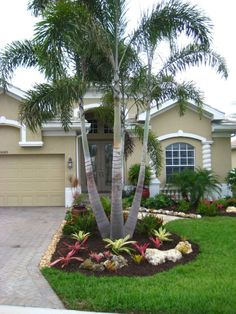 Affordable Landscaping Ideas For Your Front Yard That Will Inspire You. Normally, the front yard is regarded as the public region of the residence. The front yard of your home states a great deal about you. Possessing a dr. Palm Trees Garden, Palm Trees Landscaping, Small Front Yard Landscaping, Florida Landscaping, Front Yard Design, Tropical Landscaping, Outdoor Landscaping, Tropical Garden, Small Palm Trees