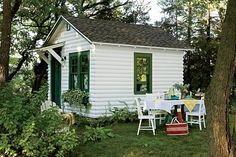 lunch in the woods by a cottage sounds relaxing........I'm ready