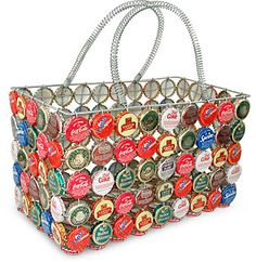 Bottle Cap Tote Basket from Africa at The Animal Rescue Site. Funds 28 bowls of food. Bottle Cap Art, Bottle Cap Crafts, Bottle Top, Soda Can Crafts, Recycling, Pop Tabs, Twist And Shout, Recycled Crafts, Creations