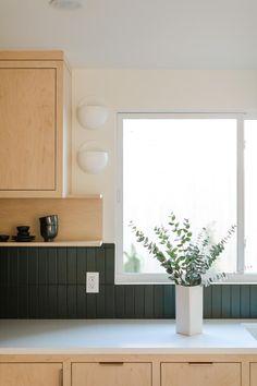 Backsplash options like straight set in deep Hunter Green offer a timeless alternative. Modern Kitchen Tiles, Mid Century Modern Kitchen, Kitchen Design, Green Subway Tile, Fireclay Tile, Interior Desing, Adobe House, Subway Tile Backsplash, Quartz Backsplash