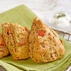 No bakery degree required for this recipe: these healthy, savory smoked salmon-and-dill scones are as easy to make as a batch of muffins. Healthy Scones, Savory Scones, Savory Muffins, Baking Muffins, Smoked Salmon Appetizer, Smoked Salmon Recipes, Raisin Scones, Dill Salmon, Biscuits