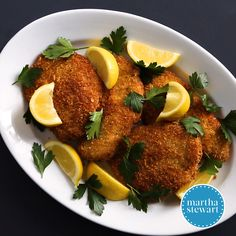 Wiener Schnitzel with Pork A crunchy crisp breaded pork cutlet makes a satisfying dinner in this classic Austrian recipe Pork Cutlet Recipes, Schnitzel Recipes, Cutlets Recipes, Pork Recipes, Cooking Recipes, Healthy Recipes, Recipies, Easy German Recipes, Austrian Recipes