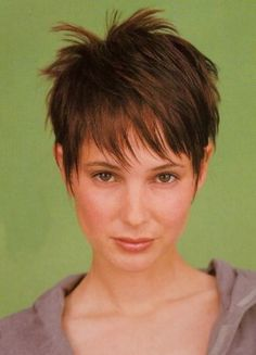 Cute Short Pixie Hairstyle With Long Bangs - Free Download Cute Short Pixie Hairstyle With Long Bangs #11128 With Resolution 252x350 Pixel | KookHair.com