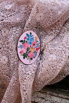 RetroBijou / Ruženka Retro, Handmade, Souvenir, Hand Made, Retro Illustration, Handarbeit