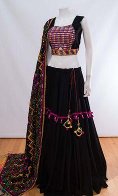 CHANIYACHOLI2018 Half Saree Lehenga, Lehnga Dress, Lehenga Choli Online, Half Saree Designs, Choli Designs, Lehenga Designs, Indian Bridal Outfits, Indian Fashion Dresses, Indian Designer Outfits