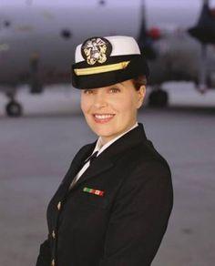 Lt Loren Singer (portrayed by Nanci Chambers)