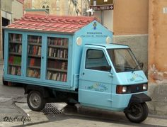 """Bibliomotocarro"" designed by Antonio Lacava, head of the center of popular culture UNLA in Ferrandina, Italy."